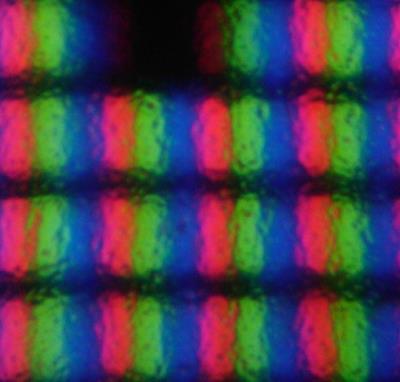 Subpixel eines entspiegelten Aktiv-Matrix-Flüssigkristallbildschirms mit Twisted-Nematic-Zellen (TN-LCD).