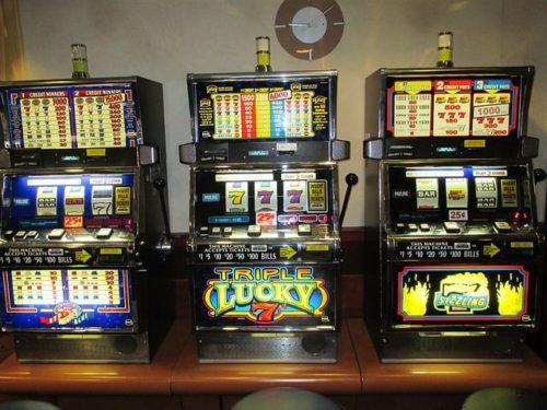 Spielautomaten, einarmige Banditen
