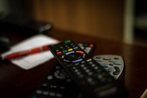 Fernbedienungen für Fernseher und Receiver