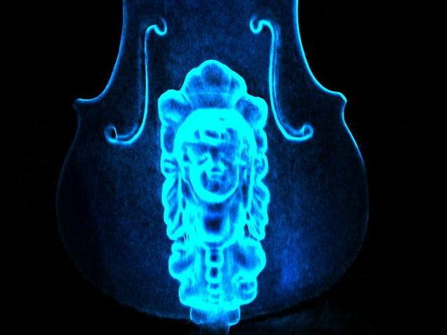 Artec 3D Röntgenaufnahme einer Violine mit Fehlabgleich