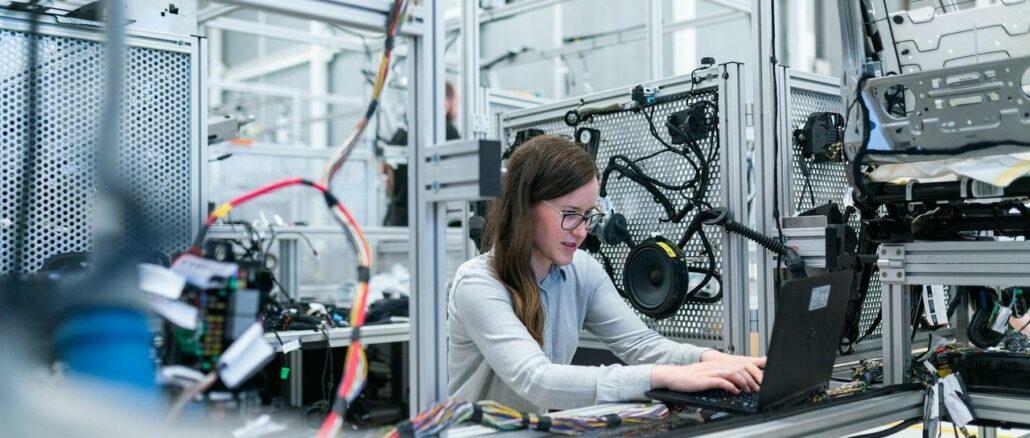 Hubtische für Industrie-PCs